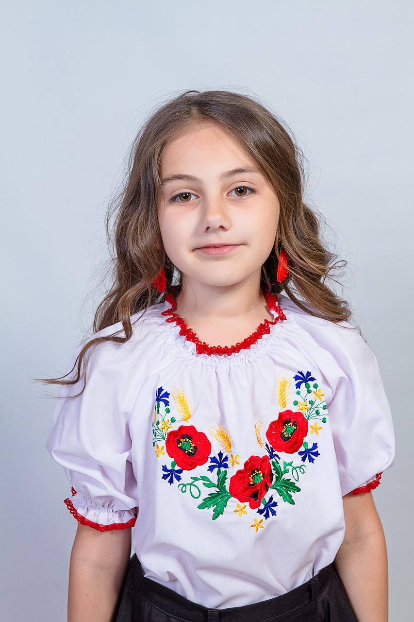 Красивая вышитая рубашка для девочки