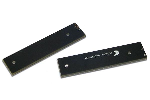 UHF RFID метка для работы на металле CE36001
