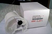 Фильтр топливный на тойота Королла.Код:23300-21010
