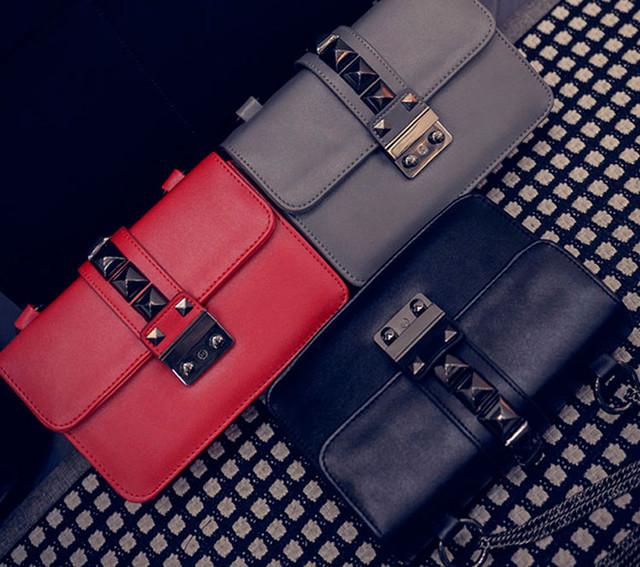 Женская сумочка через плечо на цепочке   красная   серая   черная
