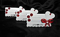 Рассадочная карточка ручной работы бело-красные