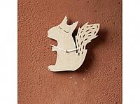 Деревянные часы Сонная белочка