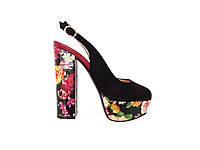 Замшевые женские босоножки на каблуке с розами