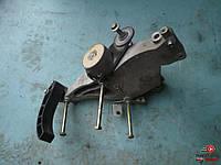Натяжной механизм ремня генератора на Fiat Doblо 1.4