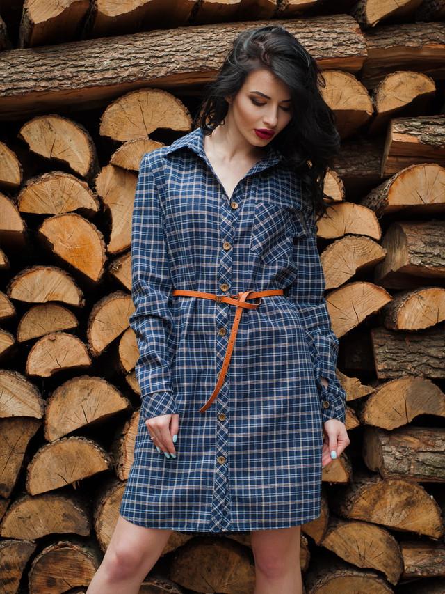 Модное женское летнее платье-рубашка в клетку