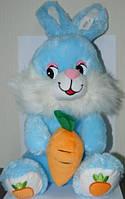 Мягкая игрушка озвученная Заяц с морковкой
