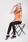 Яркая оранжевая блуза с красно-черной традиционной вышивкой на груди и рукавах, фото 3