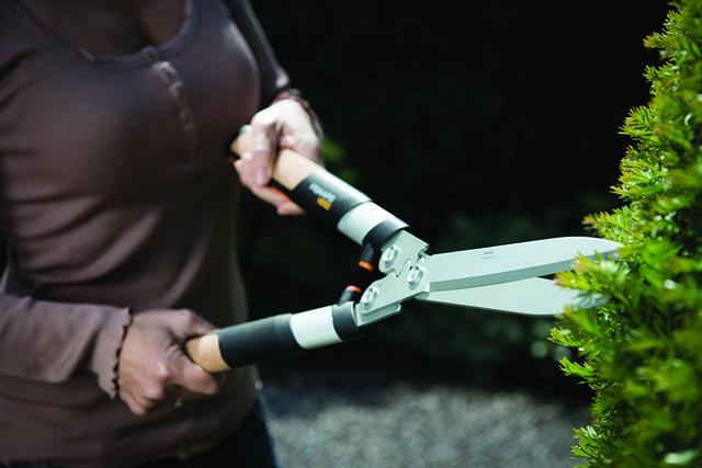 Ножницы для живой изгороди Fiskars Quantum HS102 (114820)