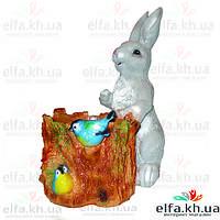 Садовая фигура Крольчонок с пеньком