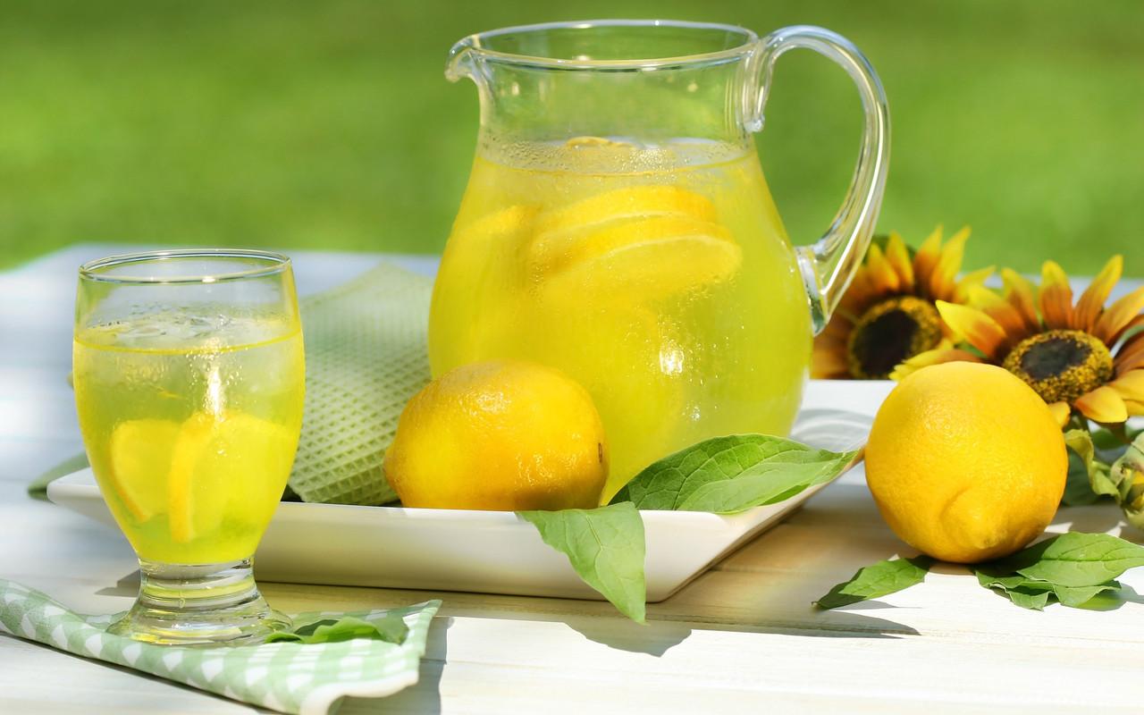 Лимонад имбирно-лимонный