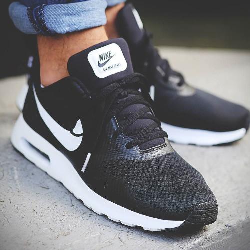 Мужские кроссовки Nike Air Max Tavas black/white