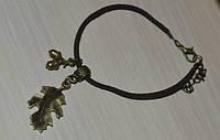 замшевый браслет с листком и желудями