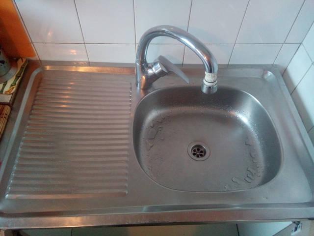 Пометим место для крепления питьевого краника