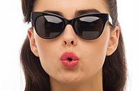 Солнцезащитные очки. Модный аксессуар и защита глаз.
