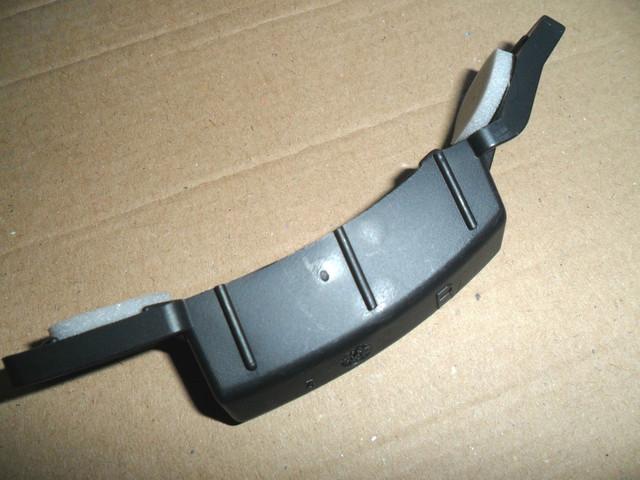 Направляющая (кронштейн, крепление, опора, рейка) заднего бампера правая OPEL Corsa-C