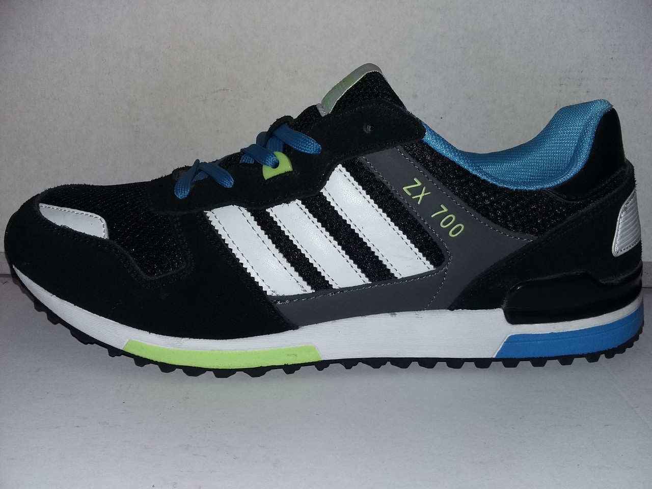 2fbbc67f2 ... Летние кроссовки Adidas ZX 700 46 ...