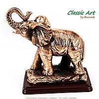 Фигурка слона для дома на деревянной подставке ES023