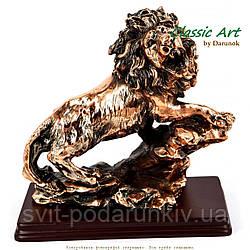 Статуэтка лев Classic Art ES094
