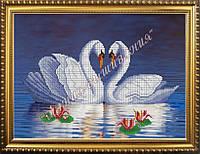 Схема для вышивания бисером Пара лебедей в воде