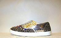 Кеды модные женские серебряного цвета с камнями перфорация