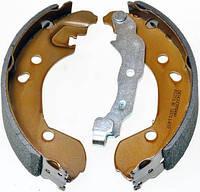 Тормозные колодки  задние Нисан Микра / Micra III / Note /  Clio III / Modus 1.2-1.6 2004- (барабанные),