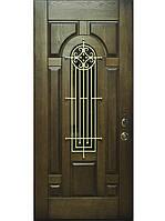 """Элитные входные двери для коттеджа (массив с ковкой) модель """"Русь 1"""""""