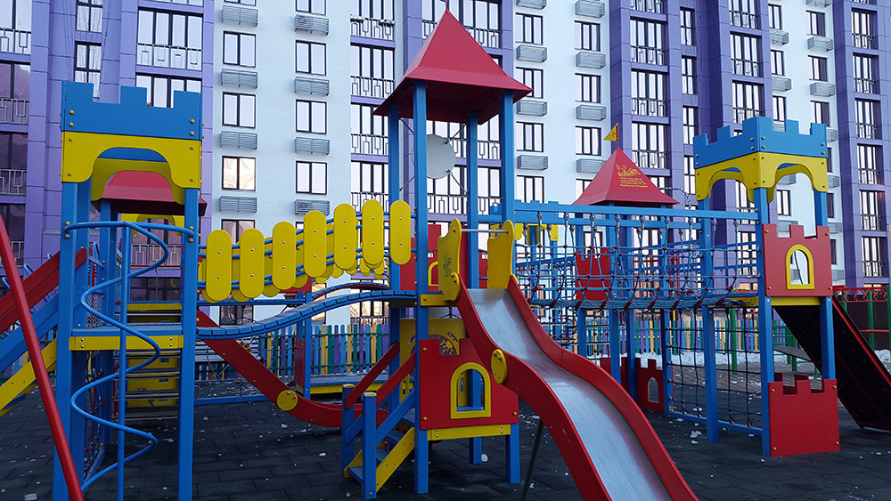 """Детский игровой комплекс в  ЖК """"Аметист"""" 10"""