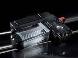Приводні системи для секційних воріт з пружинними пакетами для врівноваження, встановленими на валу