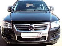 """Дефлектор капота Volkswagen Touareg 2002-2010 """"SIM"""" темный"""