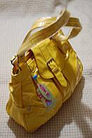 Сумка Лаковая Желтая большая с пряжкой