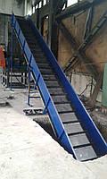 Ленточный наклонный конвейер, транспортер гребешковый