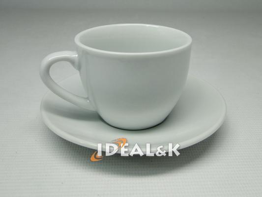 Фарфоровая кофейная белая чашка с блюдцем  80мл.