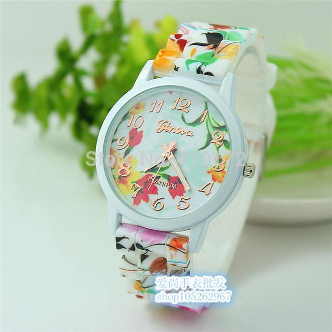 Женские часы силиконовые Geneva с оранжевым цветочным принтом
