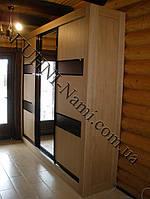 Шкаф-купе с комбинированными дверьми из ДСП и с зеркалом на заказ