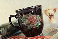 Чашка керамическая коричневая с деколью