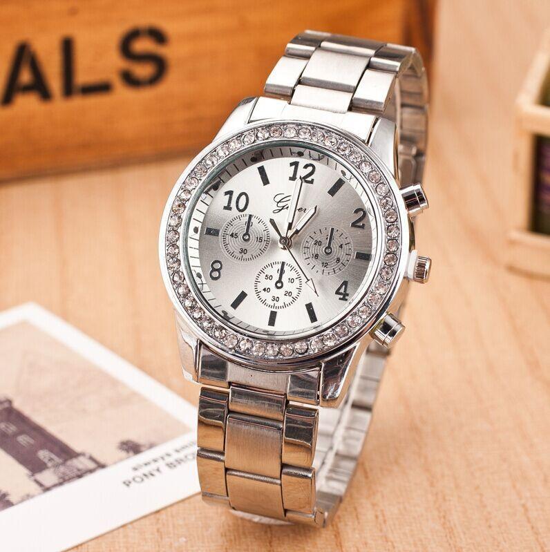 2828f4d9 Женские часы Geneva Kors Style Silver под серебро со стразами, Жіночий  наручний годинник - Смарт