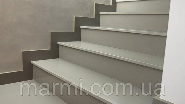 Ступени лестницы из искусственного камня - фото