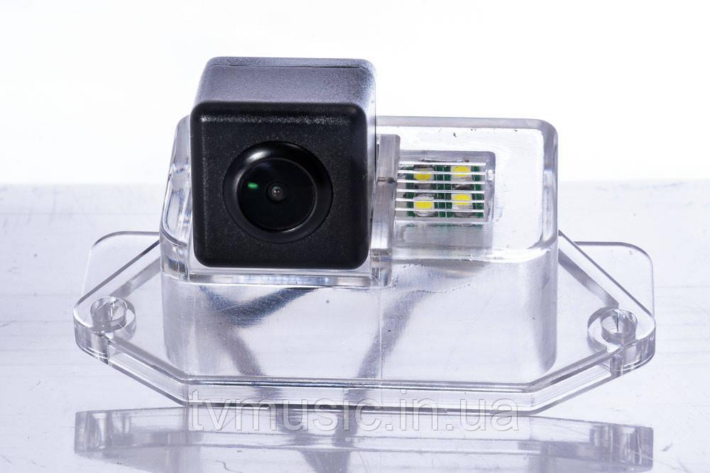 Камера заднего вида Fighter CS-HCCD+FM-xx