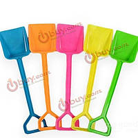 Детская пластиковая лопатка для игр с песком