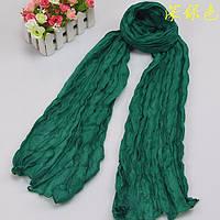 Легкий жатый шарф изумрудный