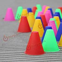 Обучение 10pcs/lot маркировка конька слалома конусов складывает случайный чашкой цвет