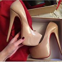 Туфли стильные Лабутен Louboutin лаковые разных цветов