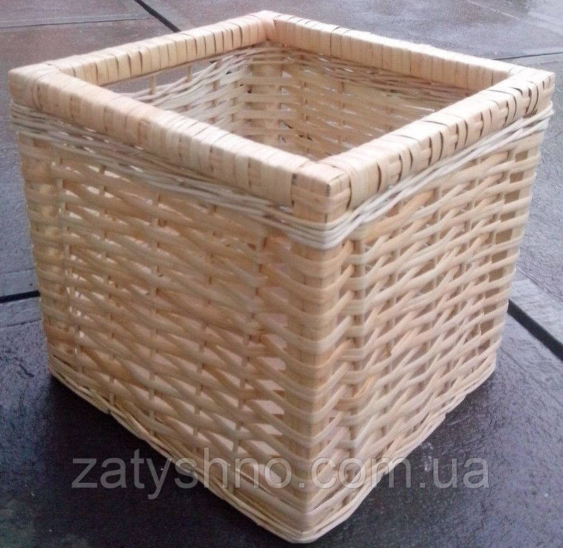 Ящик плетеный высокий вместительный