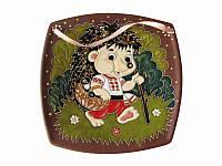 Тарелка глиняная малая квадратная Еж в вышиванке (С другой росписью)