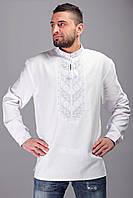 Белая вышитая рубашка на белом бархатном полотне, длинный рукав
