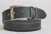 Джинсовый кожаный ремень 45 мм чёрный прошитый белой ниткой узор пряжка серебрянная квадратная