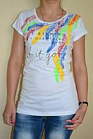 Футболка женская цветные перья