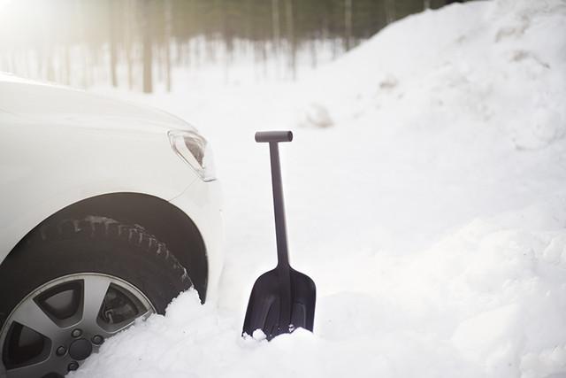 Лопата автомобильная Fiskars Solid (143073)