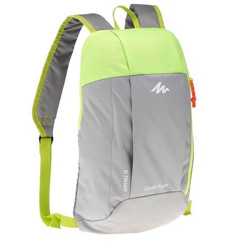 Недорогой рюкзак городской, спортивный Quechua ARPENAZ 10 л. светло серый 2035763