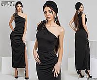 Вечернее черное платье с атласным бантом на плече